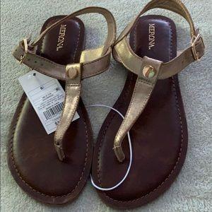 Merona gold metallic thong sandals 6.5 NEW NWT
